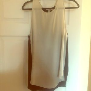 🔴2 for $50🔴 Wilfred Sleeveless Blouse